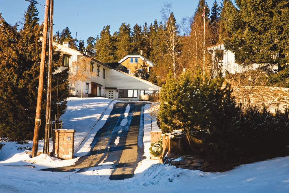 driveway with snow